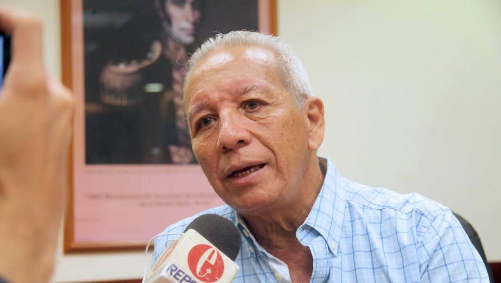 Diputado Macario González